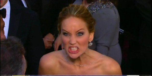 Oscars 2014: Les meilleurs (et les pires) moments de Jennifer Lawrence sur le tapis