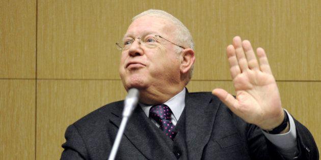Au Conseil constitutionnel (comme à l'Elysée), Michel Charasse a une arme dans son