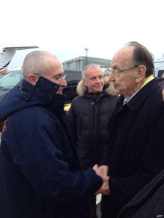 Russie: Mikhaïl Khodorkovski libre après 10 ans de prison, se rend en