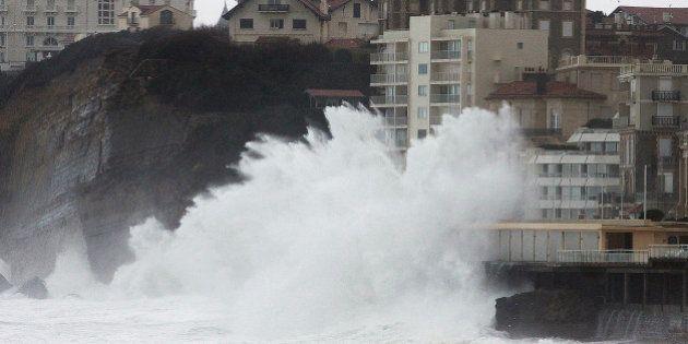 PHOTOS : Inondations sur le littoral sud-ouest, le casino de Biarritz les pieds dans
