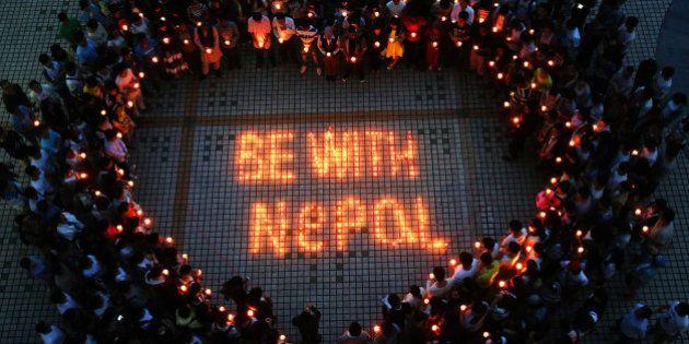 EN DIRECT. Népal: les suites du séisme qui a fait au moins 3700 morts à travers le