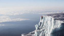 Il escalade les glaciers du Kilimandjaro (et la vue est