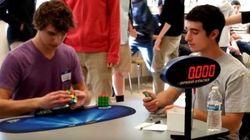 Il a battu le record du monde du Rubik's