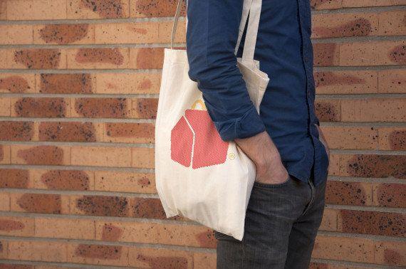 PHOTOS. Des tshirts et des sacs McDo vendus chez Colette en