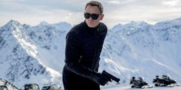 PHOTOS. James Bond