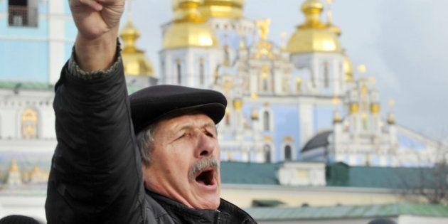 Ukraine: nouveau rassemblement d'opposition à Kiev après les accords de Moscou, mobilisation nettement...