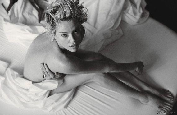 PHOTO. Charlize Theron pose nue pour W