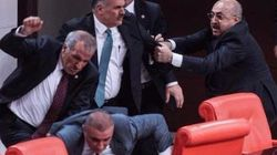 Pourquoi ces députés en sont venus aux mains à l'Assemblée