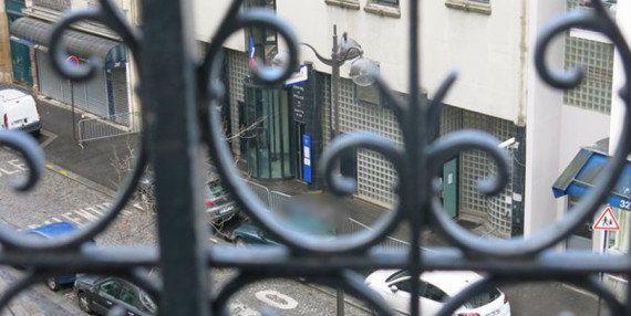 Un homme armé d'un hachoir de boucher abattu devant un commissariat du 18e à
