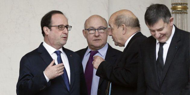 Budget de la Défense: l'astuce de Jean-Yves Le Drian pour convaincre François Hollande face à Michel