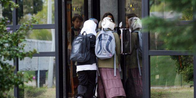 Port du voile : 84% des Français contre le foulard dans les lieux privés accueillant du