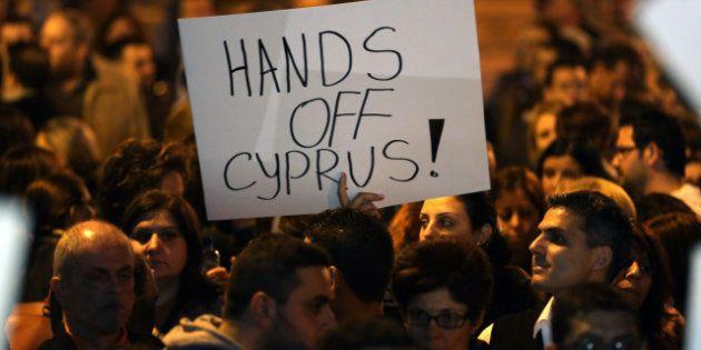 Crise à Chypre : chronologie d'une descente aux
