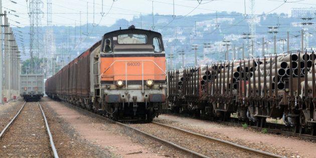 Autoroute ferroviaire Atlantique: le gouvernement renonce au projet, annonce Alain