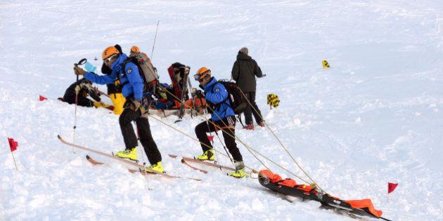 Quatre avalanches font deux morts dans les Alpes