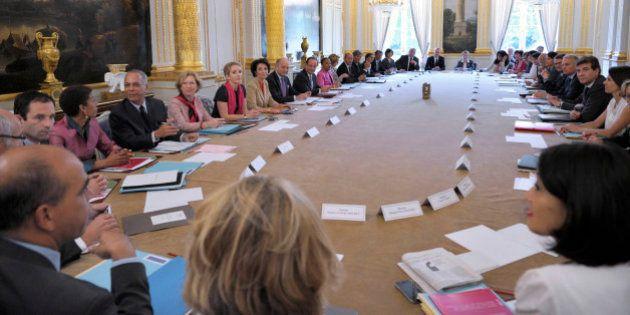 Couacs au gouvernement : les cinq règles édictées par Hollande et