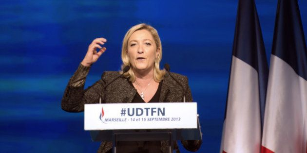 Front national et extrême droite: les élus socialistes défient Marine Le Pen, Mélenchon