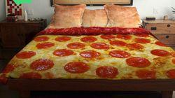 S'enrouler dans une tranche de pizza pour