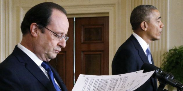 Ukraine: Hollande et Obama évoquent de nouvelles sanctions contre la Russie mais la tension