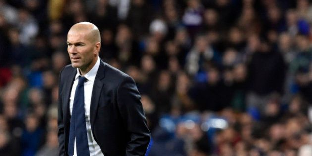 VIDÉO. Real Madrid - La Corogne : 5-0 pour le 1er match de Zinedine