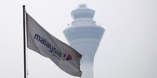 Enquête sur l'avion de Malaysia Airlines disparu : quatre mystères à