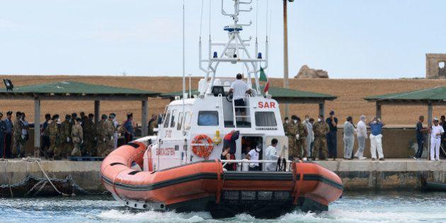 Lampedusa: de nouveaux corps de migrants