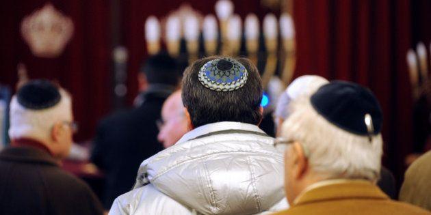 Pourquoi l'appel à enlever la kippa passe mal après l'agression antisémite à