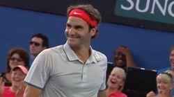 Federer réussit un smash qui va vous laisser bouche