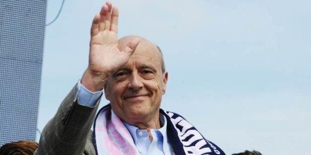 Popularité: Juppé détrône Valls, Hollande stagne, Ayrault chute