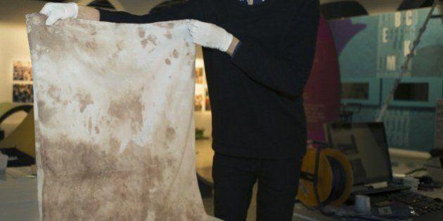 PHOTO. Malala, la prix Nobel de la paix, expose son uniforme