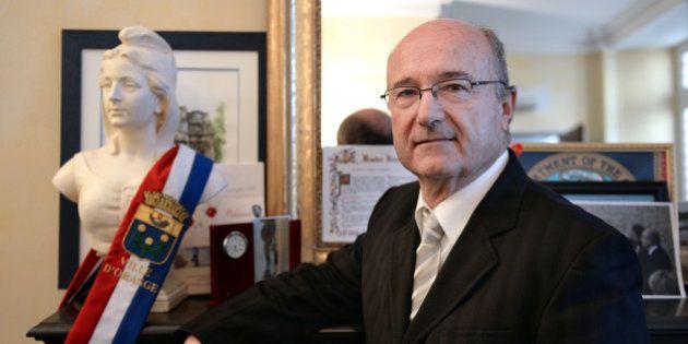 Parité: le député d'extrême droite Jacques Bompard veut autant d'hommes que de femmes en