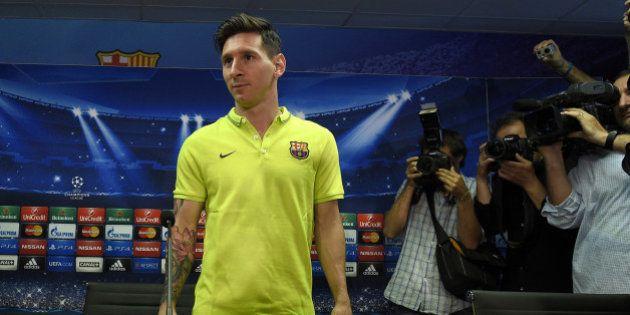 Lionel Messi exhibe son tatouage aux multiples
