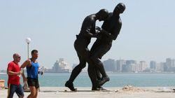 Au Qatar, la statue de Zidane crée la