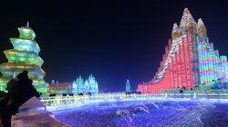 Les incroyables sculptures sur glace du festival