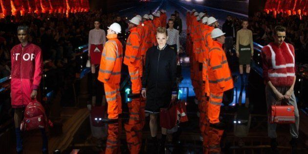 Fashion week de Londres : le code de la route n'a jamais été autant à la mode grâce à Anya