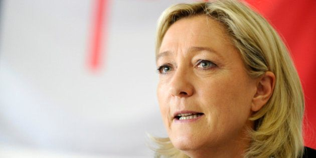 FN: d'anciens partisans de Pasqua et de Villiers soutiennent Marine Le Pen pour
