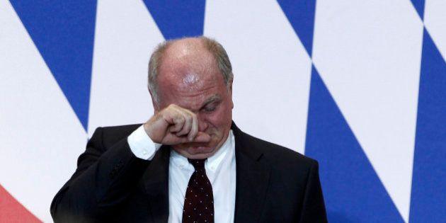 Le président du Bayern Munich, Uli Hoeness, accepte la prison après sa condamnation pour fraude