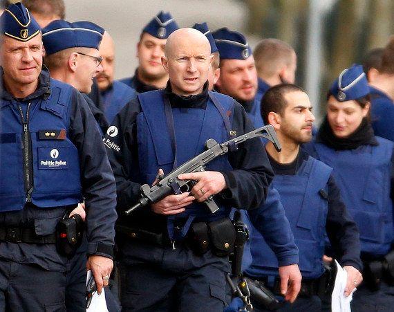Attentats de Paris : fusillade dans l'une des communes de Bruxelles, un homme