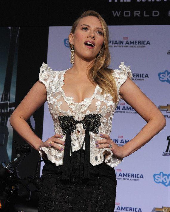 PHOTO. Scarlett Johansson enceinte et rayonnante sur le tapis