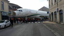 Un Airbus A320 bloqué plusieurs heures dans les rues de