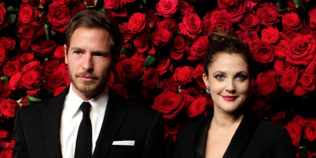 VIDÉOS. Drew Barrymore avoue avoir forcé son mari à regarder ses