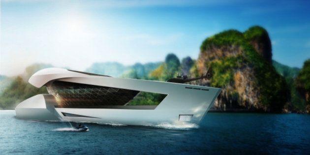 PHOTOS. CF8, le yacht du futur, son héliport et sa collection de