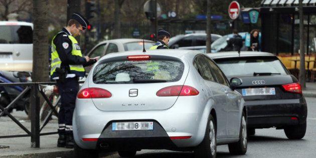 PHOTOS. Circulation alternée à Paris: moins de bouchons, plus de PV et des ministres qui se