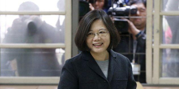Taïwan: Tsai Ing-wen, première femme élue présidente, défaite historique pour le