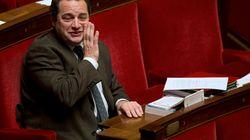 Le député Poisson veut protéger les élus