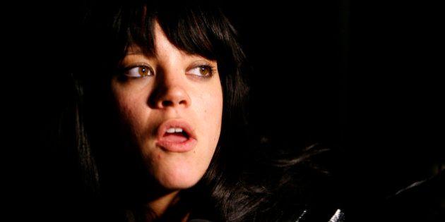 Un concert virtuel refusé par Lily Allen aurait pu lui faire gagner des