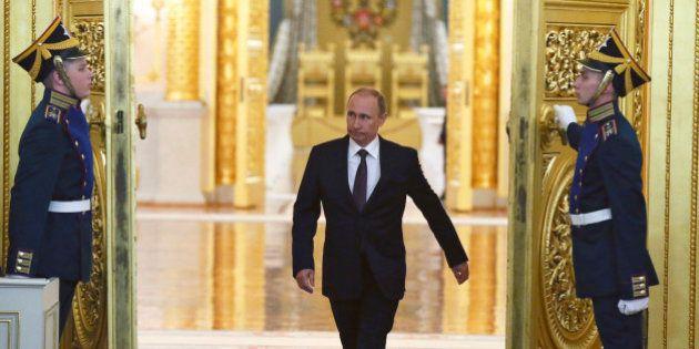 Intégration de la Crimée à la Russie: les réactions gênées de la communauté internationale au discours...