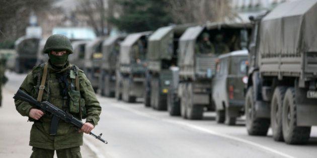 Rattachement de la Crimée à la Russie: un soldat ukrainien tué à Simféropol, le conflit entre