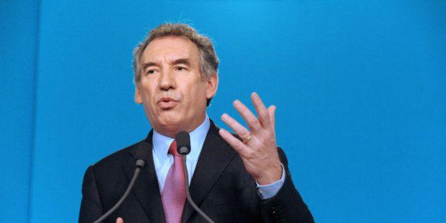 Présidentielle 2017: Bayrou renoncera à une candidature s'il est élu maire de