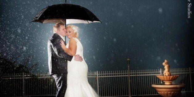 PHOTOS. De belles photos de mariage, même par mauvais