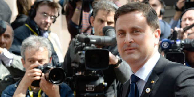 Mariage gay: au Luxembourg, le premier ministre Xavier Bettel montre